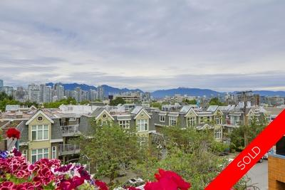 Fairview Slopes Townhouse for sale: Heather Court 2 Beds + Den + Storage 1,314 sq.ft. (Listed 2017-06-20)